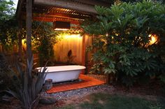 Backyard Bath House at night. Such an easy project and more affordable than a spa or jacuzzi. Outdoor Bathtub, Hot Tub Backyard, Outdoor Bathrooms, Outdoor Showers, Outdoor Planters, Outdoor Spaces, Outdoor Living, Ideas Terraza, Entspannendes Bad
