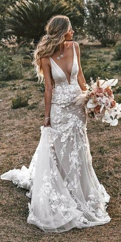51 Best Beach Wedding Dresses For Seaside Ceremony beach wedding dresses sheath deep v neckline tali photography Simple Sexy Wedding Dresses, Dream Wedding Dresses, Bridal Dresses, Wedding Gowns, Wedding Bride, Floral Dresses, Floral Maxi, Wedding Ideas, Lace Wedding