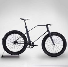 Carbon-Fiber Fixed-Gear Bike, Designed By A Formula 1 Firm