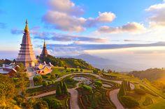 Landscape of two pagoda (noppha methanidon-noppha phon phum siri stupa) in an Inthanon mountain, chiang mai, Thailand Into The Wild, Thailand Vacation, Thailand Travel, Krabi, Doi Inthanon National Park, Chiang Mai Thailand, The Monks, Buddhist Temple, Backpacker