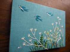 いいね!160件、コメント2件 ― マカベアリス Alice Makabeさん(@alice_makabe)のInstagramアカウント: 「花冷えの今日、暖かい春の野原が恋しいです。#春#つばめ#つばめのこと #もりのこと #鳥#刺繍#手刺繍#手仕事#手作り #ハンドメイド#マカベアリス#exhibition…」