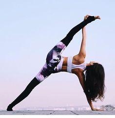 Yoga #yoga #alongamento #flexibilidade #prancha