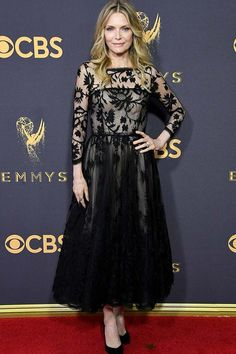 2017 EMMY'S--MICHELLE PFEIFFER IN OSCAR DE LA RENTA