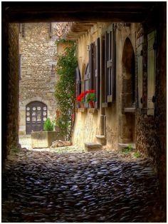 Earth story, Mideval Village Perouges, France