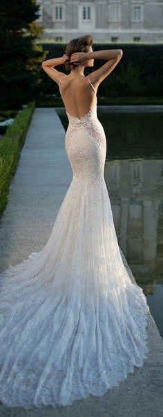 Wedding Dress by Berta Spring 2016 Bridal Collection / http://www.himisspuff.com/mermaid-wedding-dresses/11/