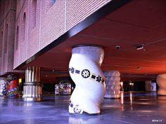 La Alhóndiga de Bilbao ha sido reformada como centro cívico polivalente, con la intervención del diseñador Philippe Starck e inaugurada el 18 de mayo de 2010.