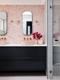 Home Interior Entrance pink terrazzo master bathroom.Home Interior Entrance pink terrazzo master bathroom Pink Bathroom Decor, Bathroom Interior, Home Interior, Small Bathroom, Master Bathroom, Bathroom Sinks, Bathroom Ideas, Pink Bathrooms, Blush Bathroom