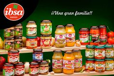 La familia al completo de @ibsabierzo te desea un feliz fin de semana. #salsasdetomate #recetasfaciles #recetassaludables #conservamoslanaturaleza
