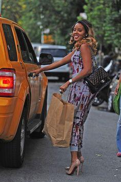 Splurge: Angela Simmons's New York City Treasure Hur Gray Splash Printed Jumpsuit Diva Fashion, I Love Fashion, Fashion Top, Petite Fashion, Fashion Killa, Work Fashion, Street Fashion, Style And Grace, Style Me
