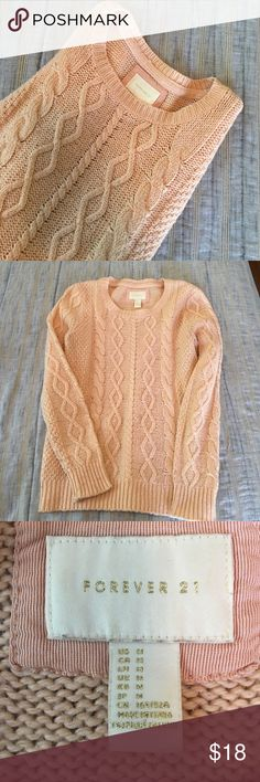 Sweater Gently used! Forever 21 Sweaters Crew & Scoop Necks