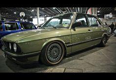Green BMW E28