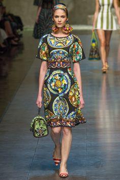 Dolce & Gabbana Spring 2013 Ready-to-Wear Fashion Show - Maria Flavia Ferrari