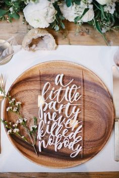 12 Personal and Unique Wedding Signs!