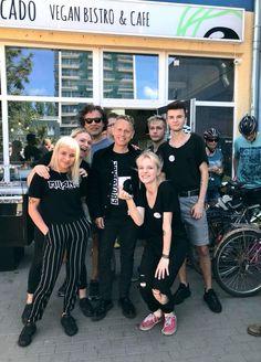 Martin Gore - Depeche Mode - zagrał w Gdyni, ale najpierw zjadł na Przymorzu Martin L, Martin Gore, Stevie Nicks Concert, Mode Games, Celebrity Travel, Wedding Quotes, American Horror Story, Funny Design, Cool Bands