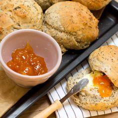 broodjes met maanzaad en komijnzaad | Njamelicious for Dille & Kamille