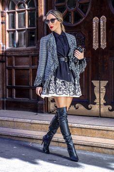 Helena-Lunardelli | Vestido usado como saia Red Valentino, camisa Thorré, cinto Ralph Lauren, blazer Chanel, botas Miezko, bolsa Prada e óculos Valentino. O batom é o Devil do Dolce & Gabbana