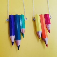 Earrings Handmade, Handmade Jewelry, Unique Jewelry, Color Pencil Art, Bijoux Diy, Recycled Art, Cool Diy Projects, Crayon, Diy Necklace