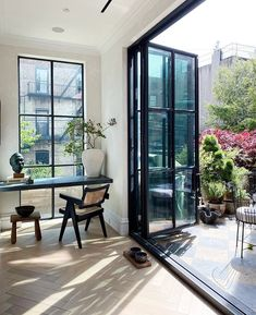 Home Decoration Ideas On A Budget .Home Decoration Ideas On A Budget Pierre Jeanneret, Diy Décoration, Indoor Outdoor Living, Shop Interiors, Interior Design Inspiration, Interiores Design, Cheap Home Decor, Interior And Exterior, Interior Shop