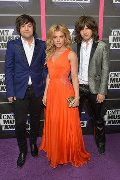 The Band Perry arrived at the CMT Awards. Live this band and I meet then there really nice and very sweet to there fans