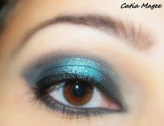 Gorgeous Teal Eyes!