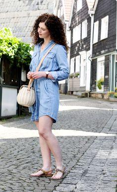 Outfit mit Jeanskleid & Birkin Basket Sommeroutfit Frühlingsoutfit Summer Vibes
