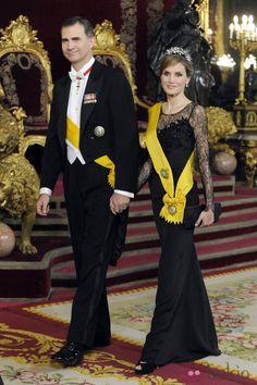 Los Príncipes Felipe y Letizia en la cena de gala al presidente de México y su esposa en el Palacio Real