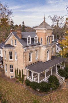 Farmhouse Architecture, Victorian Architecture, Beautiful Architecture, Classical Architecture, Urban Architecture, Sustainable Architecture, Villas, Winchester Virginia, Victorian Style Homes