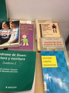Durante este mes de febrero ,os proponemos en el expositor de la 1ª planta, una selección de libros sobre el síndrome de Down.