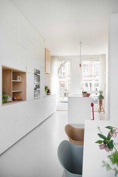 Find the most inspirational home decor ideas for your kitchen here. Kitchen Queen, Kitchen Living, Minimalist House Design, Minimalist Home, Cute Kitchen, New Kitchen, Kitchen Interior, Kitchen Decor, Interior Architecture