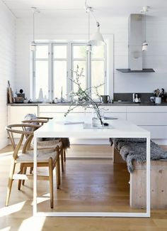 When creating a classic minimalistic interior, it's all about that base. Subdued hues rule here, from biscuit to greigeand every ecru-inspired tone in between. Why? It's clean, crisp and oh...