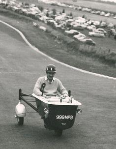 El doble Campeón del Mundo a bordo de su bañera en Brands Hatch ...