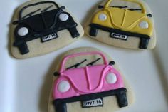 Volkswagen Cookies ~ How cute are these? Fancy Cookies, Cut Out Cookies, Royal Icing Cookies, Cupcake Cookies, Cupcakes, Auto Cookies, Como Hacer Royal Icing, Paint Cookies, Cookie Designs