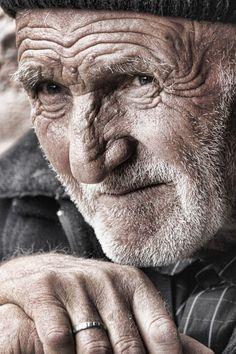 Yaşlı Yüzler, Hasta Bakıcıları http://anildanismanlik.com/hasta-bakicilari.html