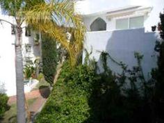 Ático en Venta de 2 Dormitorios en Marbella Con Financiamiento Disponible. Vendemos este coqueto Ático en Marbella Este, de 130.00 m2, 2 dormitorios, 1 baño, cocina americana, terraza de 50.00 metros, muy luminoso, orientación suroeste, calificado para nuestros planes de financiamiento. Ver Video: https://youtu.be/kgOlUZuY43E  Contactarnos para mas información en nuestra web. Ref: #ESG51581 #TirepNews #TirepAticos #TirepEspaña www.tireprealestate.es