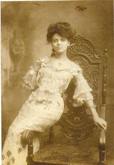 Minnie Brown (1907)  Vaudeville:  She was an actress and singer. And also a member of the Williams & Walker Vaudevillian troupe. In 1920 she served as vice president for the National Association of Negro Musicians.
