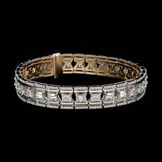 Alexandra Mor emerald-cut platform diamond bracelet