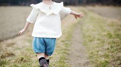 DANSEKJOLEN by Ministrikk.no: Kjolen blir finfin tunikagenser etter hvert som barnet vokser. Et plagg jenta har i mange år. Bruk til jeans, shorts eller pensko og ...