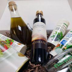Kraut, Red Wine, Alcoholic Drinks, Bottle, Food, Italian Cuisine, Friends, Flask, Essen