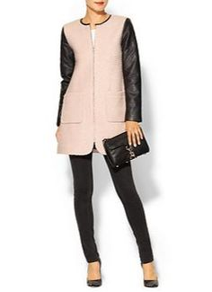 Bundle up this fall in this beautiful boucle coat.