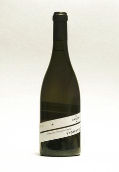 VignaVecchia | D'Apostrophe. Lovely label. #packaging #wine #label
