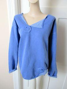 Appliqu d Peri Blue Sweatshirt Altered Clothes Crew-neck Sweater altered appliqued clothes sweater sweatshirt Appliqu d Peri Blue Sweatshirt Altere… – Sweatshirt Sweatshirt Makeover, Sweatshirt Refashion, Sewing Clothes, Diy Clothes, Clothing Redo, Clothing Hacks, Sweat Shirt, Altered Couture, Altering Clothes