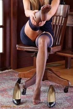 Tights And Heels, Stockings Heels, Nylon Stockings, Blue Stockings, Vintage Stockings, My Wife Is, Women Legs, Jolie Photo, Women's Feet