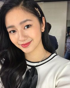 Don't look at me. You'll fall in love. Filipina, Look At Me, Falling In Love, Makeup Looks, Korean, Artist, Instagram, Fashion, Moda