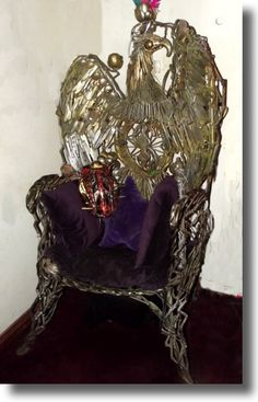 The King's Throne - Recycled Art - Made from Knives by Peter Brooks Metal Yard Art, Metal Art, Waste Art, Sculpture Art, Metal Sculptures, Junk Art, Garden Statues, Recycled Art, King's Throne