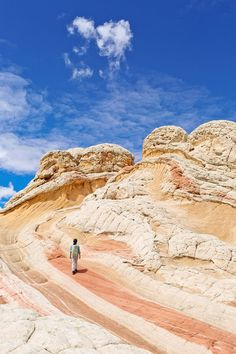 White Pocket Arizona - Sandstone Formations in Vermilion Cliffs National… New Orleans, New York, Vacation Trips, Vacation Spots, Italy Vacation, Family Vacations, Family Travel, Las Vegas, Arizona Travel
