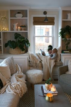 """DIY Sconces to have Light without Power """"Magic Light Trick"""" - Nesting With Grace Interior Design Living Room, Living Room Decor, Interior Decorating, Bedroom Decor, Living Rooms, Hygge Home, Deco Boheme, Diy Home Decor, Family Room"""