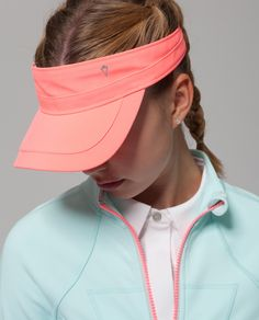 Swift Ultra fabric is lightweight with an adjustable back closure for the perfect fit. | Sun Service Visor