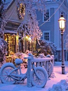 White Christmas.. Nantucket, Massachusetts, U.S...   Inviting Home Inspired