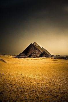 Ancient Egyptian Architecture, Ancient Egyptian Art, Ancient Ruins, Ancient Symbols, Ancient History, Giza Egypt, Pyramids Egypt, Egypt Wallpaper, Top Iphone Wallpapers