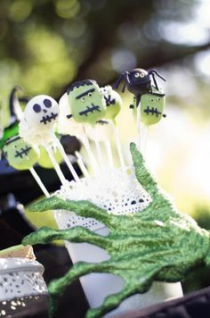 Little Big Company | The Blog: A Glamorous Halloween Party by Kirsty from Candy Chic